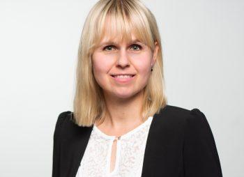 Alexandra Reglin bei PMG Presse-Monitor