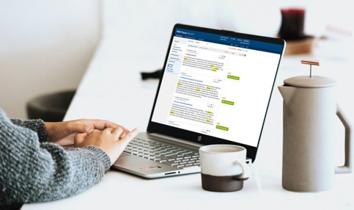 PMG Pressespiegel-Portal am Laptop